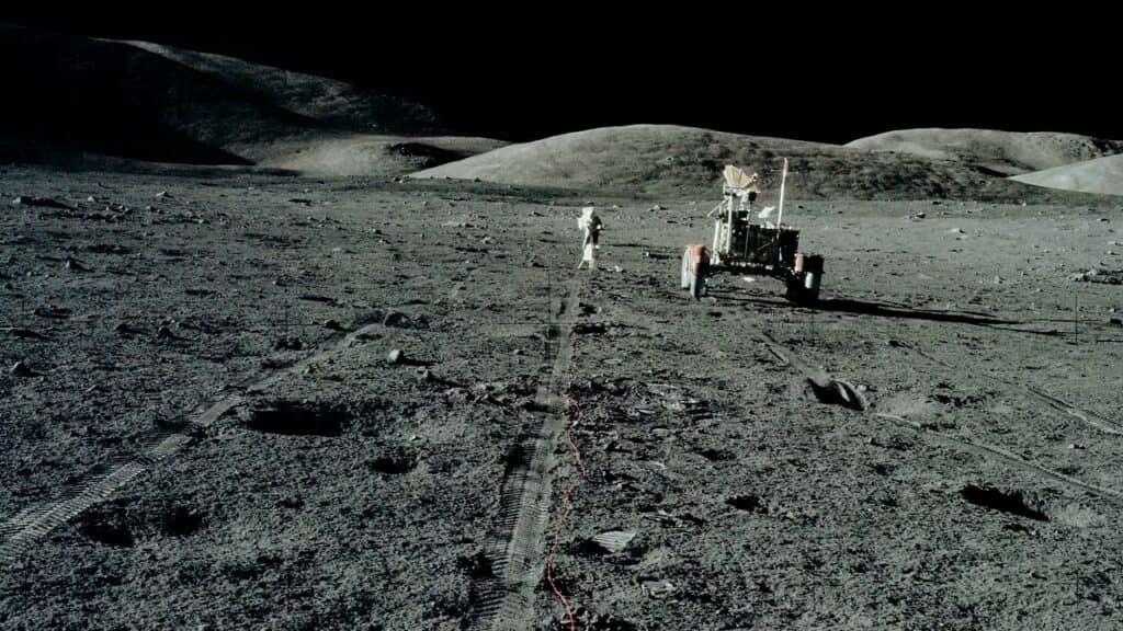 Следы американских астронавтов на Луне