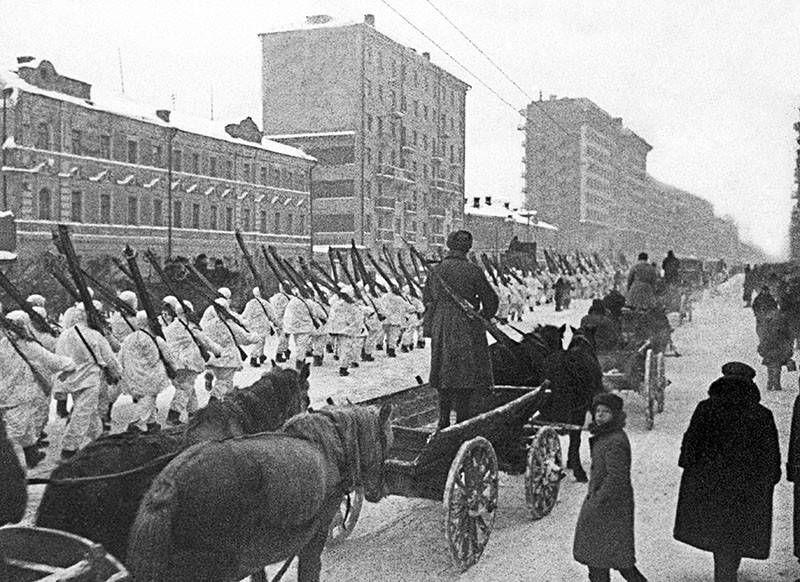 ИМЕЛ ЛИ ГИТЛЕР ШАНСЫ ПОБЕДИТЬ СССР?