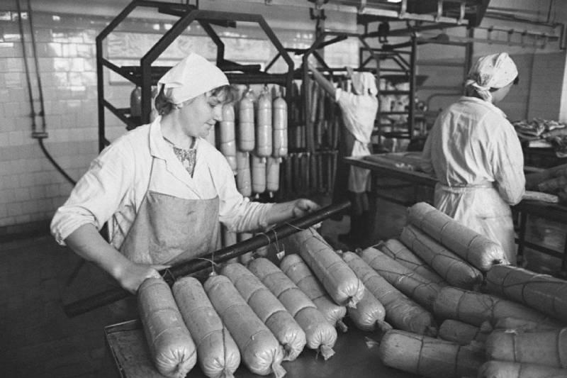 советская торговля - дефицит колбасы в СССР