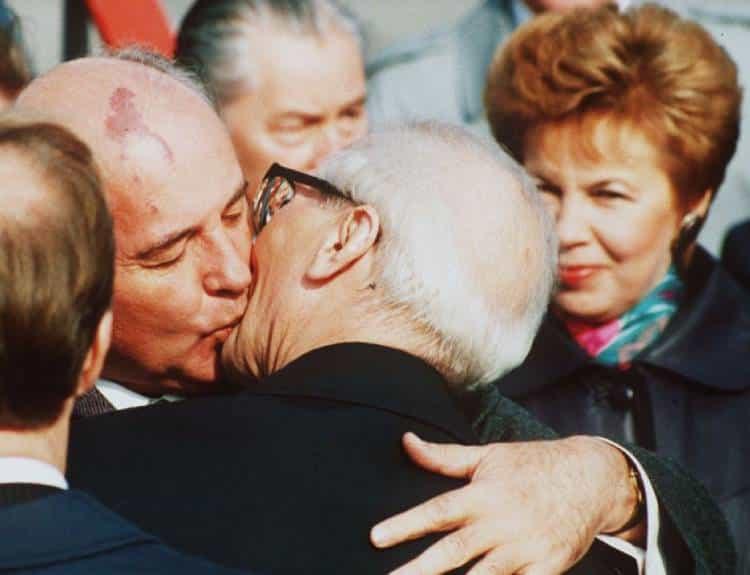Михаил Горбачев и Эрих Хонеккер