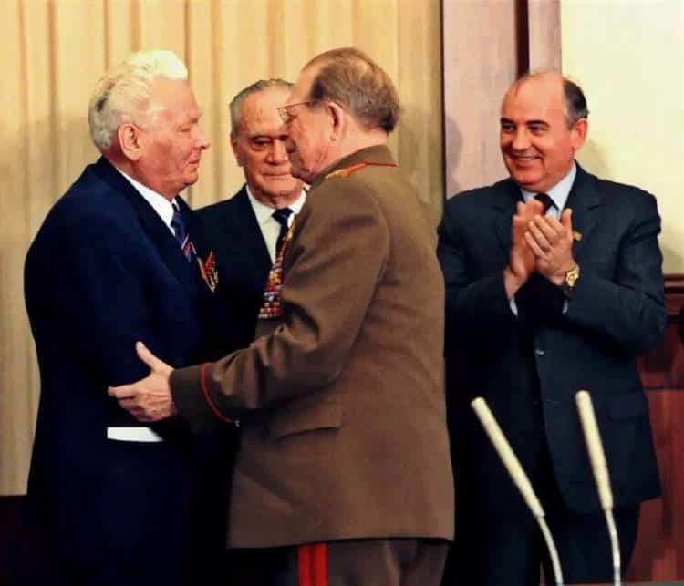 Горбачев и Черненко