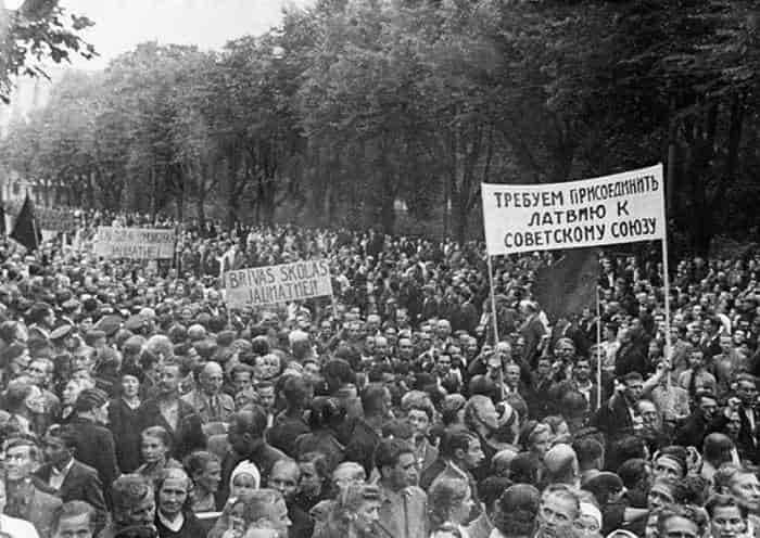 Присоединение Латвии к Советскому Союзу